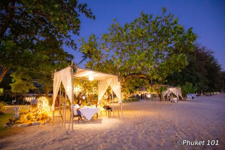 thavorn-beach-village-romantic-dinner-2