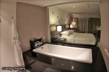 hyatt-bedroom