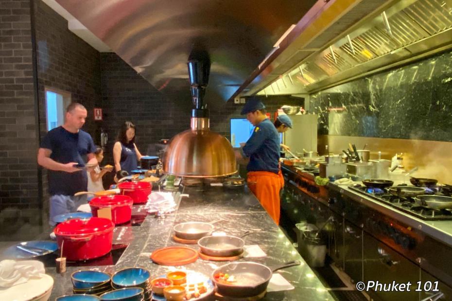 indigo-hotel-phuket-breakfast-buffet-1