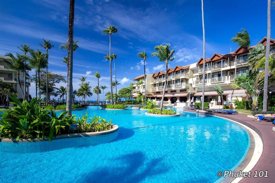 marriott-phuket-merlin-pool