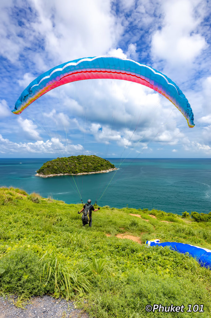 Paragliding at the Windmill Viewpoint