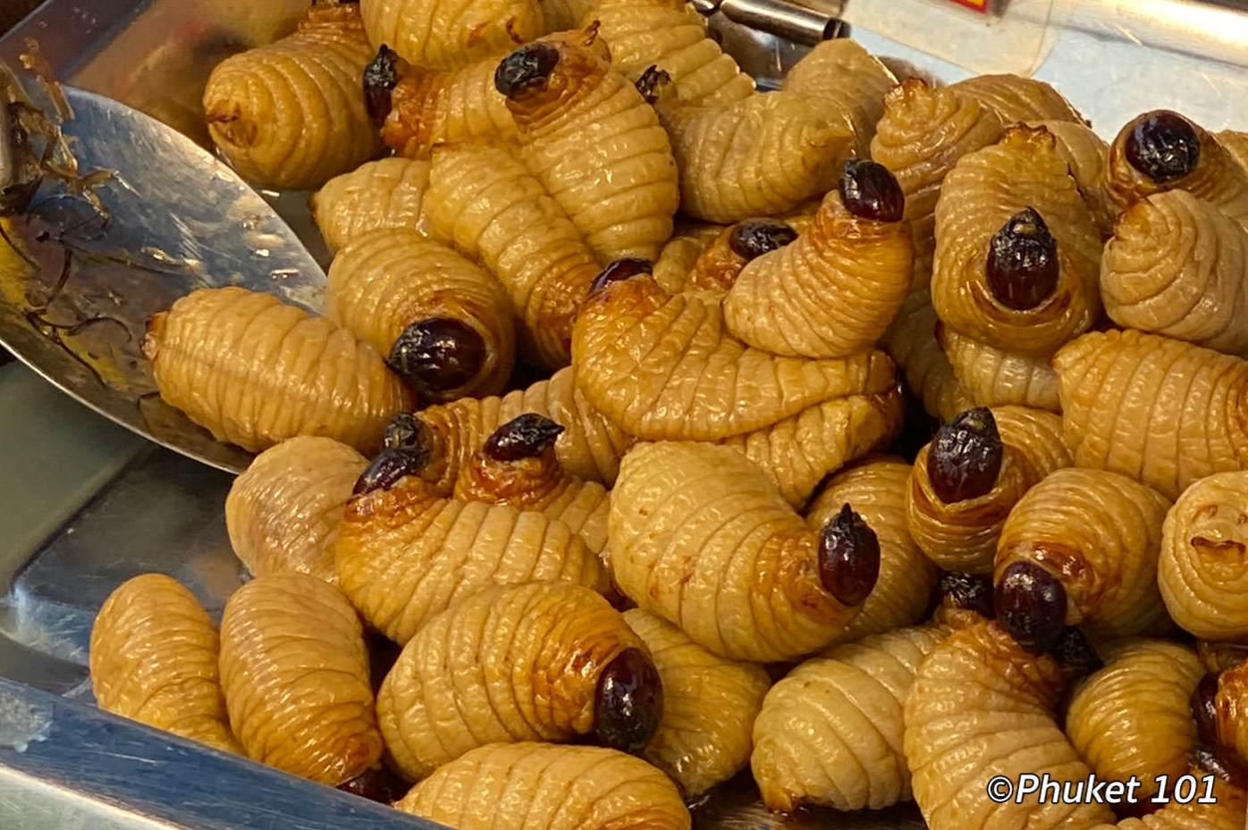 kor-jaan-market-worms