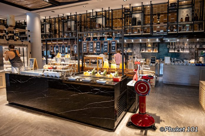 four-points-by-sheraton-phuket-buffet-breakfast