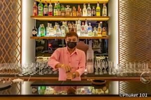 anise-taps-bar-bartender