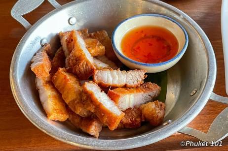 esan-bar-phuket-pork
