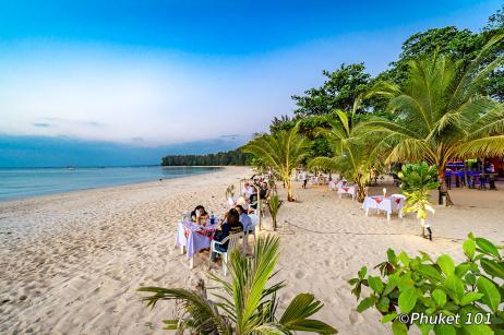 good-view-beach-restaurant-naiyang