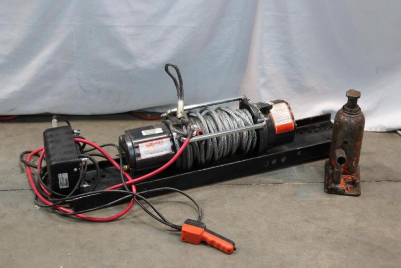 Chicago Electric 8000lb Winch
