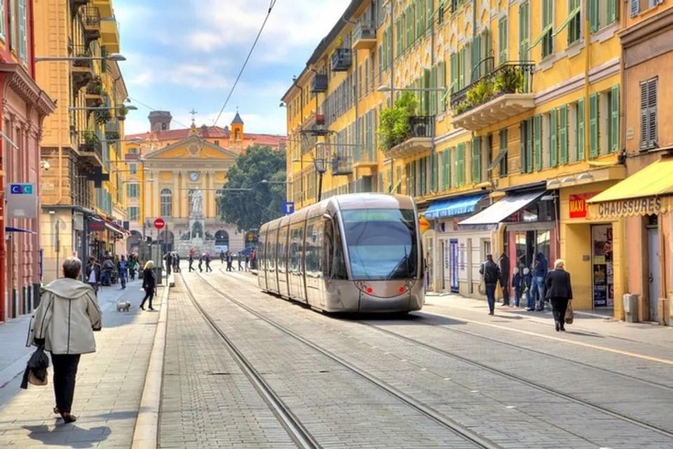 Tramway place Garibaldi à Nice