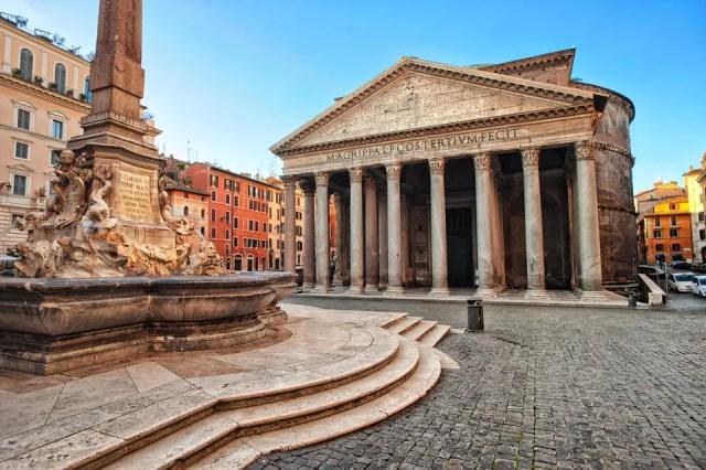 Fachada do Panteão de Roma, na Itália.