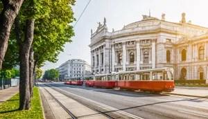 Hop-on hop-off tours in Vienna, Austria