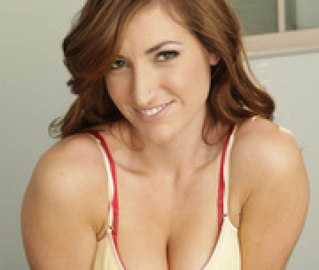 Sexy Brunette Red Bra  Years Ago  Pics Xxxonxxx
