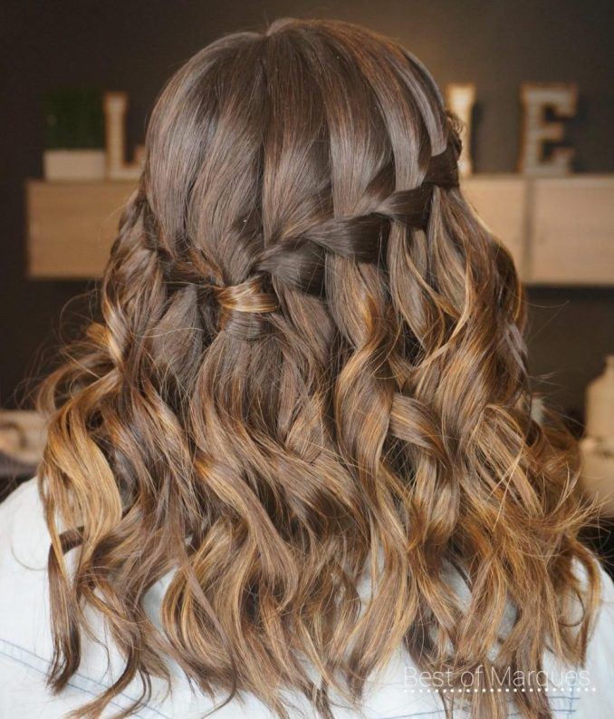 28 cute hairstyles for medium length hair (popular for 2019)
