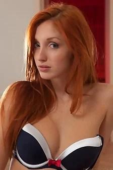 Redhead Babe Michelle H Fingering Herself
