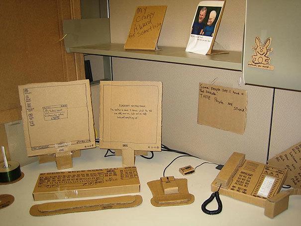 Modernizējiet (Upgrade) biroja sekretāres darba vietu ar jaunākajām tehnoloģijām.