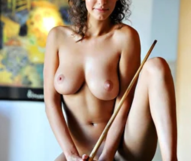 Naked Pool Game Suzanna A Wyreti