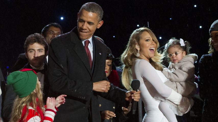 Look At How He S Checking His Woman Out From Behind Michelle