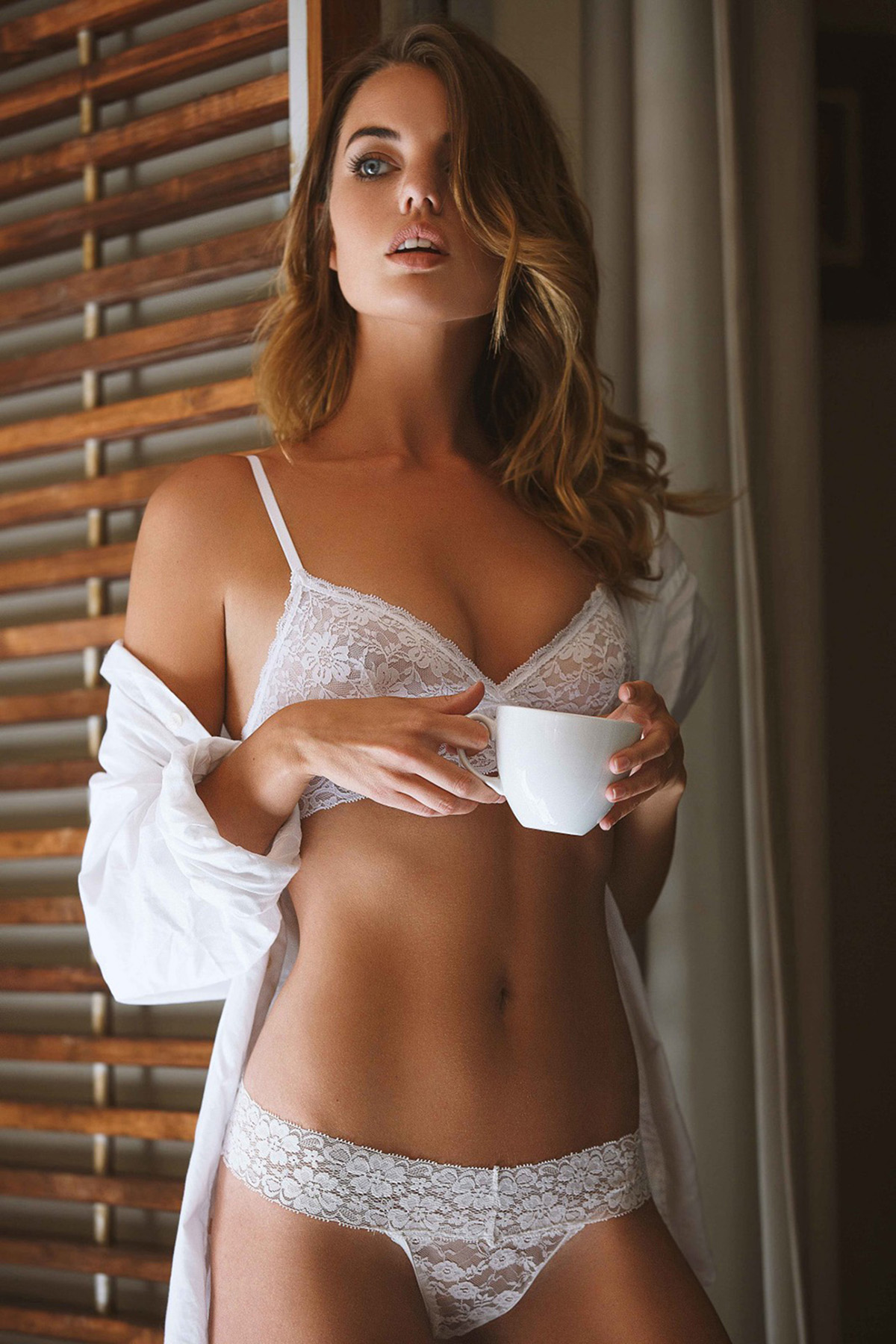 Beautiful Mainstream Model Annie Ericson - 14