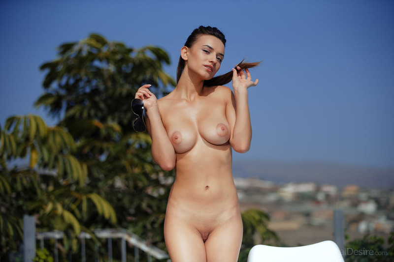 Gloria Sol Is Nude At The Pool-11