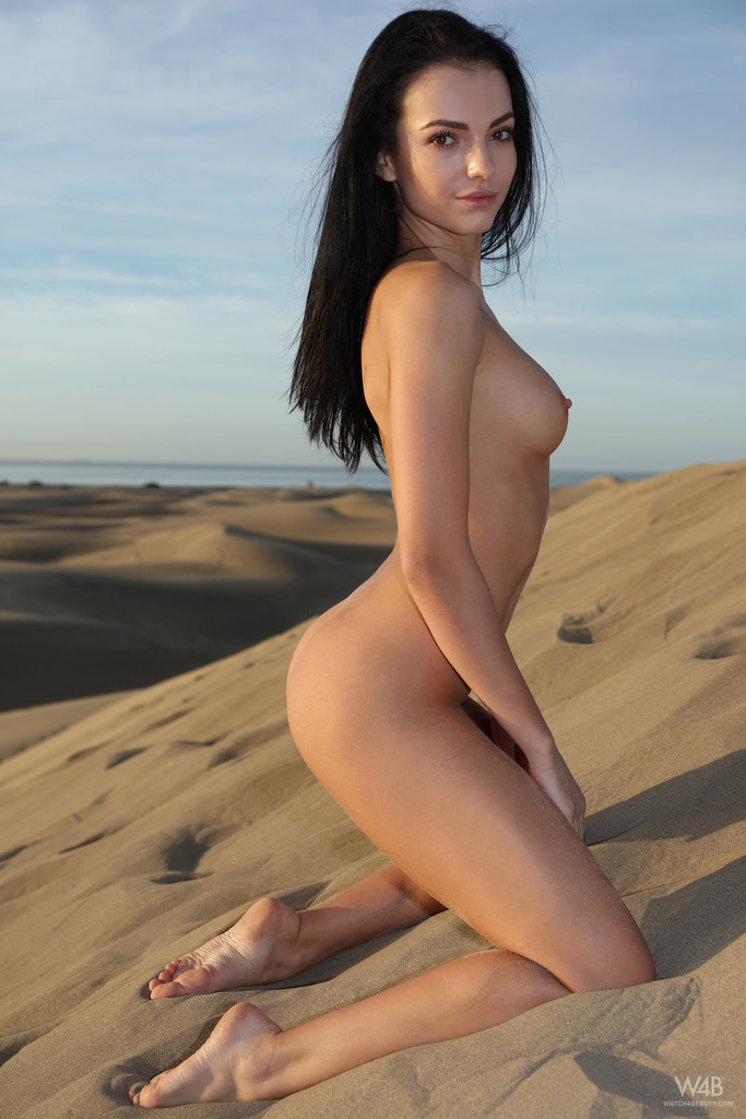 Lost In The Desert 09
