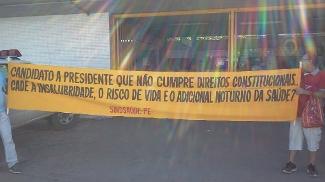 Governador Eduardo Campos foi vítima de protestos em frente a estação de metrô