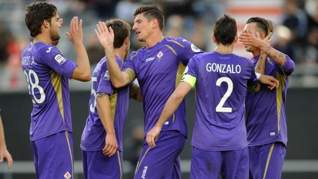 Mario Gomez Comemora Gol Fiorentina Estudiantes Copa EuroAmericana 26/07/2014