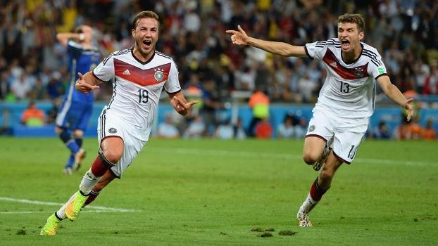 Gotze vibra após marcar o gol que deu o tetracampeonato à Alemanha