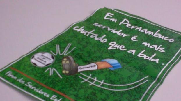 Governo 'chuta' servidores no panfleto em Recife