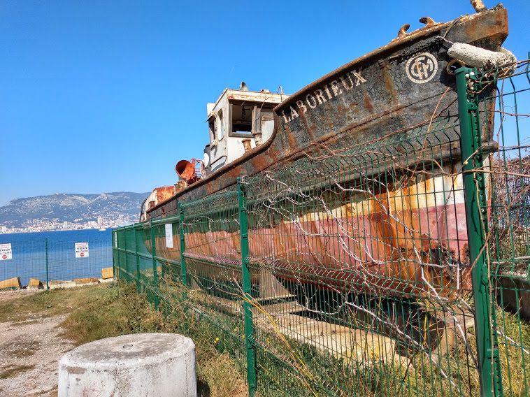 creation-site-vitrine-la-seyne-sur-mer-bateau-le-laborieux-patrimoine-seynois-contenu-digital