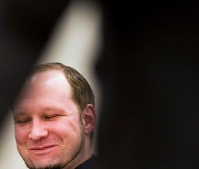 O Autor Do Massacre De Julho De 2011 Na Noruega Anders Breivik Sorri Durante