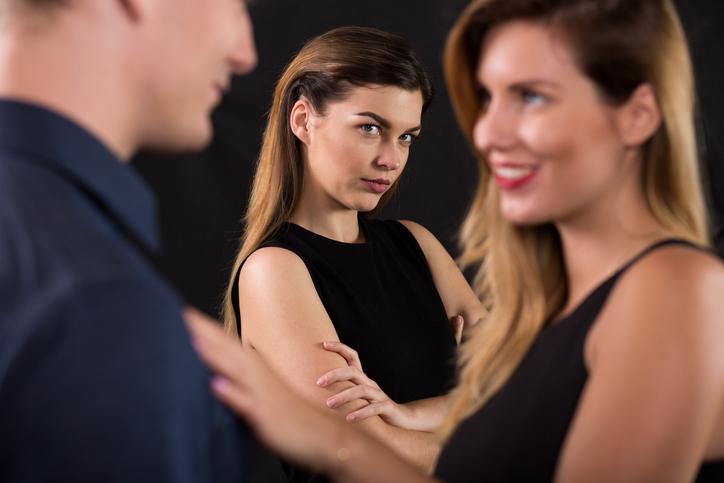 ciumes - Ciúme sem limite levou mulher a agredir mesária