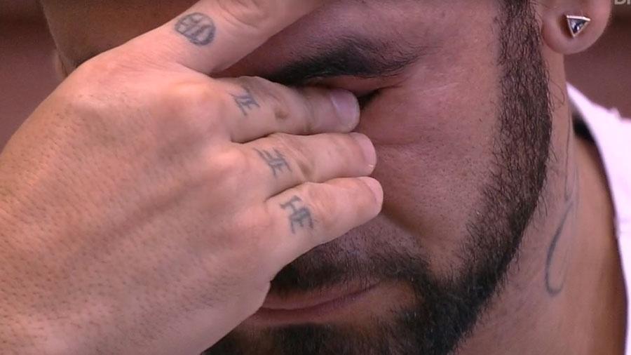BBB 20: Hadson chora ao falar de treta com as mulheres - Reprodução/Globo