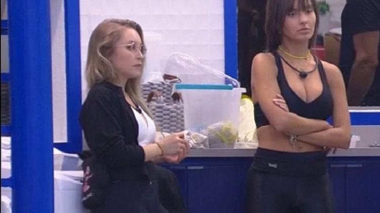 BBB 21: Carla Diaz e Thaís na cozinha - Reprodução/Globoplay - Reprodução/Globoplay