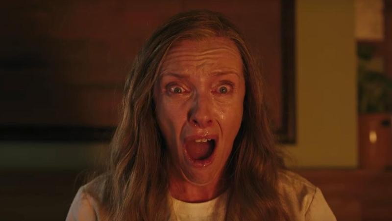"""Toni Collette em cena de """"Hereditário"""" - Divulgação"""