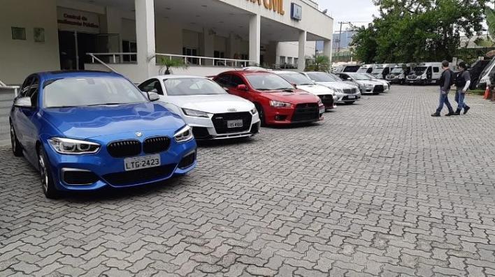 Da esq. para a dir.: BMW M140i, Audi TT RS, Mitsubishi Lancer Evolution e Mercedes-AMG E 63 - Divulgação