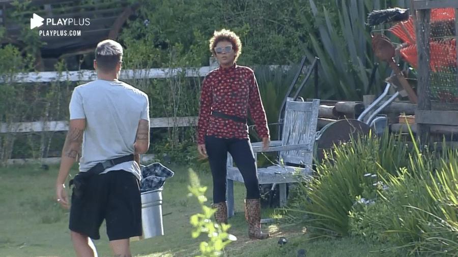 A Fazenda 2020: Lidi Lisboa reclama por ter de usar chapéu do fazendeiro - Reprodução/RecordTV