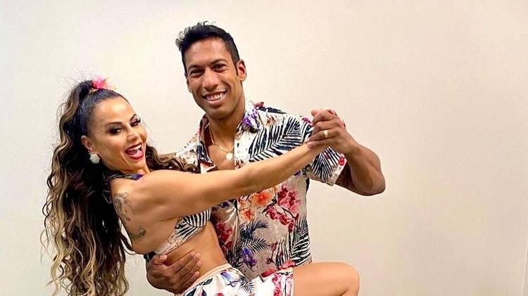 Viviane Araújo with teacher Rodrigo Oliveira at 'Super Dança dos Famosos' - Reproduction/Instagram - Reproduction/Instagram