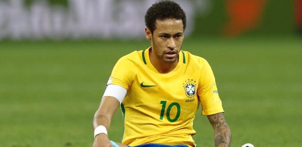 neymar do brasil durante partida contra o paraguai pelas eliminatorias da copa do mundo 1490753188893 615x300 - Com novo brilho de Neymar, Brasil vence Paraguai e se classifica para Copa