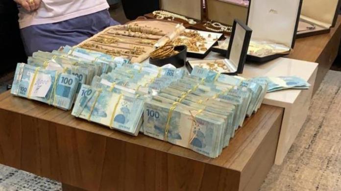 Quantia em dinheiro PF - Divulgação/PF - Divulgação/PF