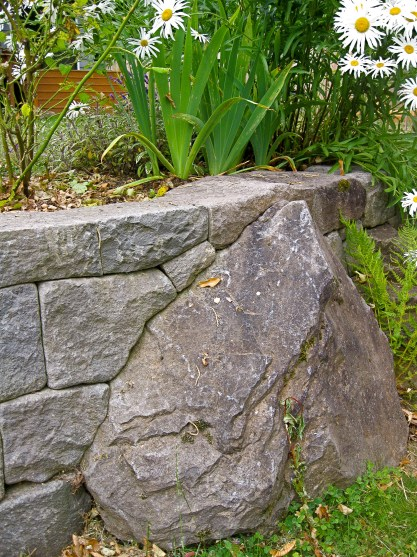 Eric Contey Stonework - Jeness wall and anchor boulder