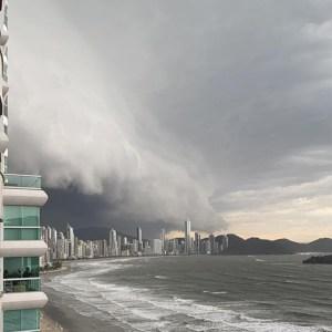 Acreano que presenciou 'ciclone bomba' em Santa Catarina relata momento de terror