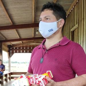 Em Sena, vereador distribui ivermectina sem prescrição médica para comunidade isolada