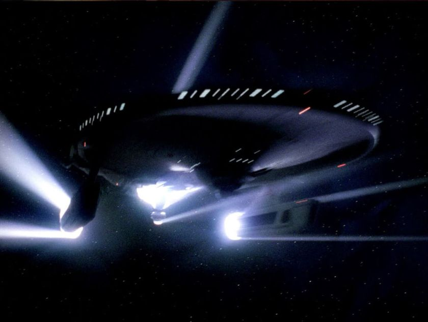 USS_Bozeman_emerges_from_a_temporal_causality_loop