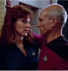 crusher puts the move on picard TNG