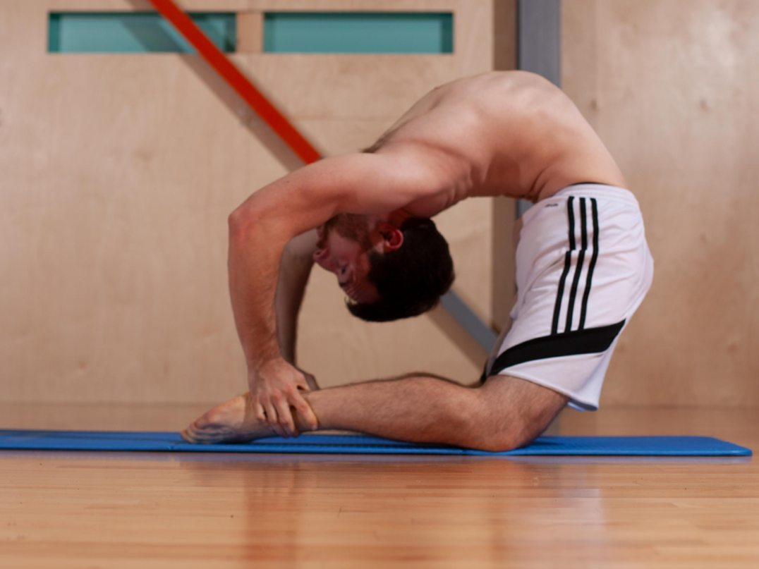 Ankle-catch-kneeling-backbend