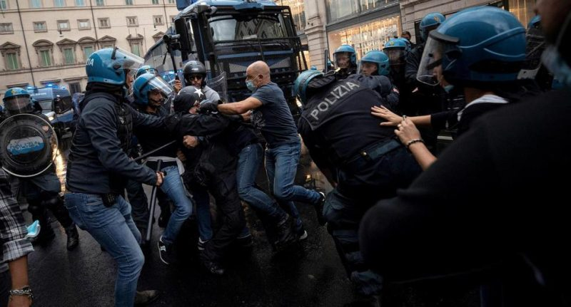 Detienen a los lideres del partido neofascista italiano Fuerza Nueva tras asaltar la sede del sindicato CGIL / Imagen: Guik