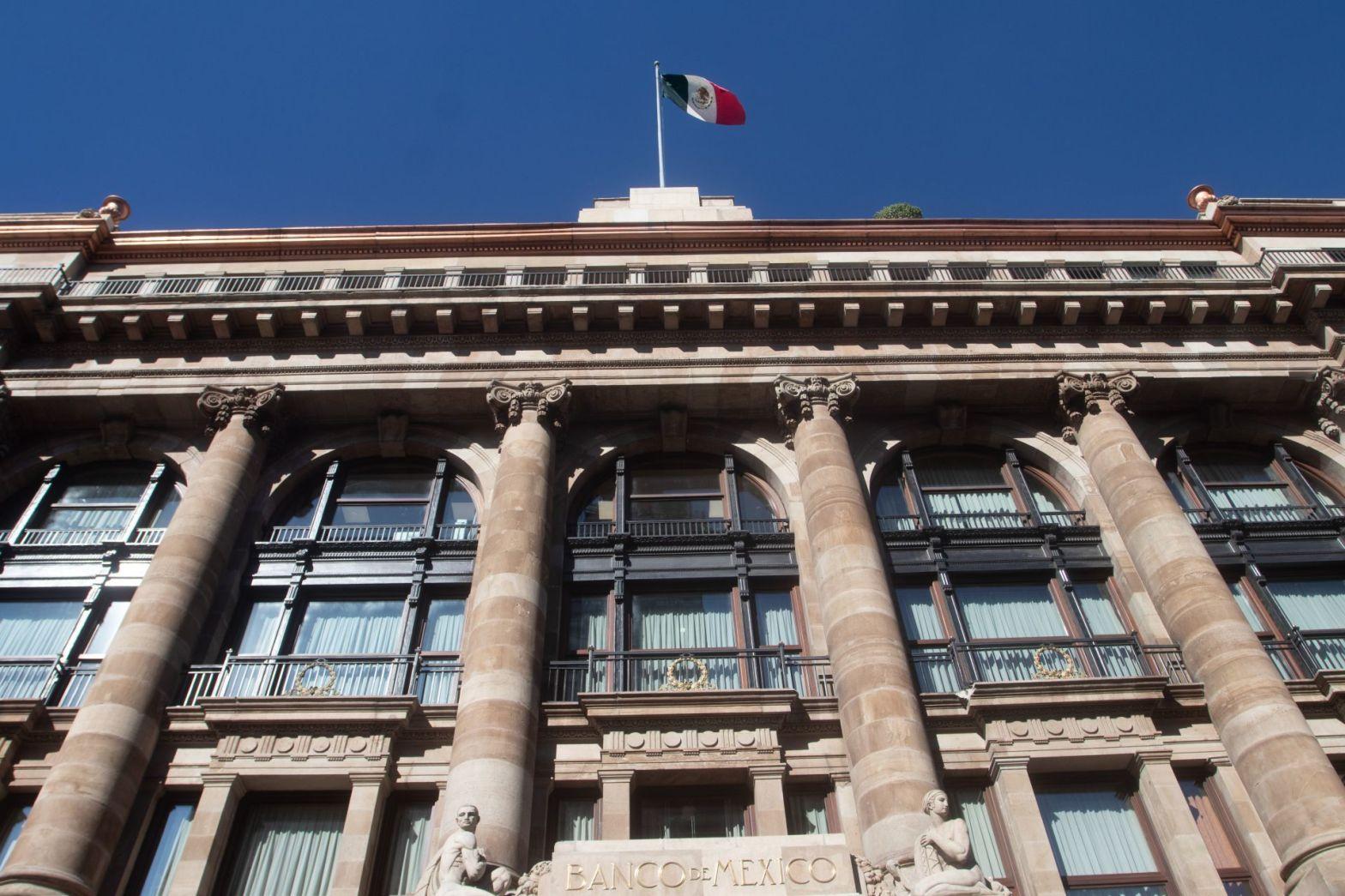 las reservas del Banco de México pasaran de 176 mil millones de dólares a 206 mil millones de dólares