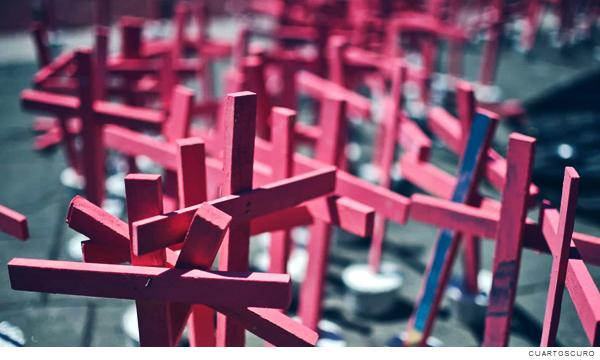 cruces rosas por feminicidio