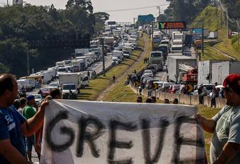Caminhoneiro marca greve para dia 29