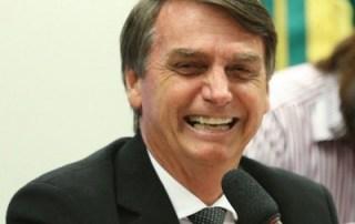 Ibope: Bolsonaro tem avaliação positiva de 35% e negativa de 27%