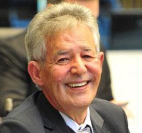 Deputado recusa convite de Ratinho para relançar obra